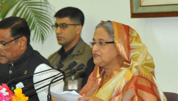 Sheikh Hasina briefs press on India visit