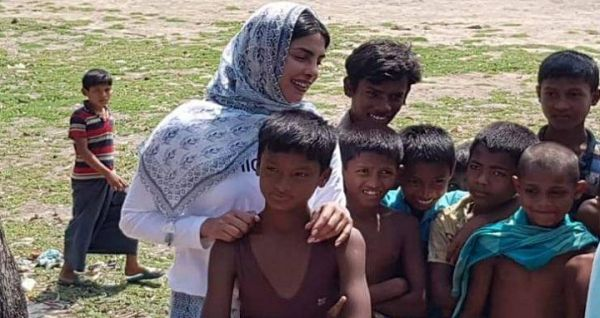 Priyanka talks to Rohingya in Cox's Bazar