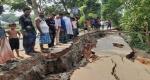 দাউদকান্দির গৌরীপুর-খোসকান্দি সড়ক নদীগর্ভে বিলীন