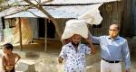 বাউফলে হতদারিদ্রদের মাঝে উপজেলা প্রশাসনের খাদ্যসামগ্রী বিতরণ