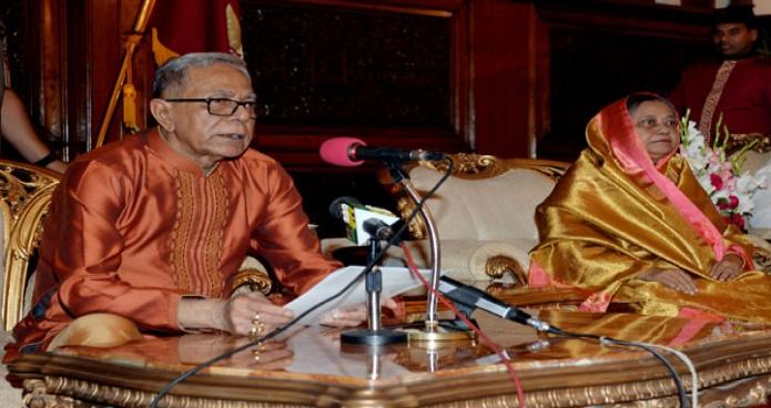 রাষ্ট্রপতি মোঃ আবদুল হামিদ শনিবার ঢাকায় বঙ্গভবনে পবিত্র ঈদুল ফিতর উপলক্ষে শুভেচ্ছা বক্তব্য প্রদান করেন-এবিনিউজ