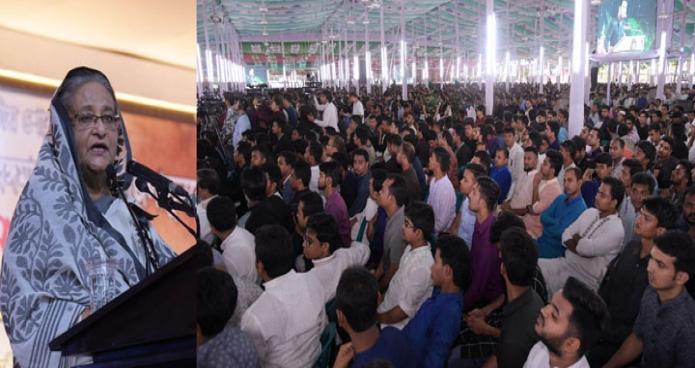 শুক্রবার ঢাকায় প্রধানমন্ত্রী শেখ হাসিনা গণভবনে জাতীয় শোক দিবস উপলক্ষে বাংলাদেশ ছাত্রলীগ আয়োজিত আলোচনা সভায় বক্তৃতা করেন-এবিনিউজ