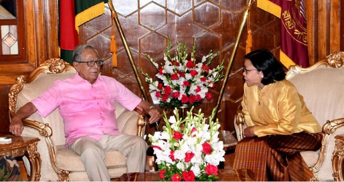 সোমবার ঢাকায় রাষ্ট্রপতি মোঃ আবদুল হামিদের সাথে বঙ্গভবনে বাংলাদেশ নিযুক্ত থাইল্যান্ডের রাষ্ট্রদূত Panpimon Suwannapongse  বিদায়ী সাক্ষাৎ করেন-এবিনিউজ