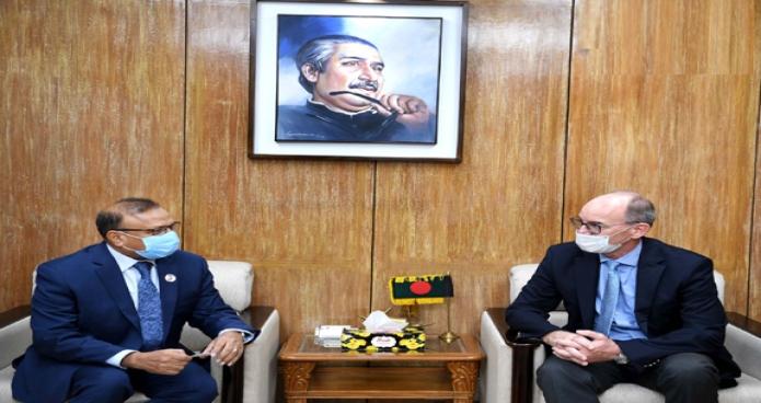 বৃহস্পতিবার স্থানীয় সরকার মন্ত্রী মো. তাজুল ইসলাম এর সাথে মন্ত্রণালয়ের সম্মেলন কক্ষে বাংলাদেশে জার্মানির রাষ্ট্রদূত Achim Troster সাক্ষৎ করেন -পিআইডি