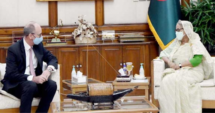 রবিবার প্রধানমন্ত্রী শেখ হাসিনার সাথে গণভবনে বাংলাদেশে নবনিযুক্ত জার্মানির রাষ্ট্রদূত Achim Troster সাক্ষাৎ করেন -পিআইডি