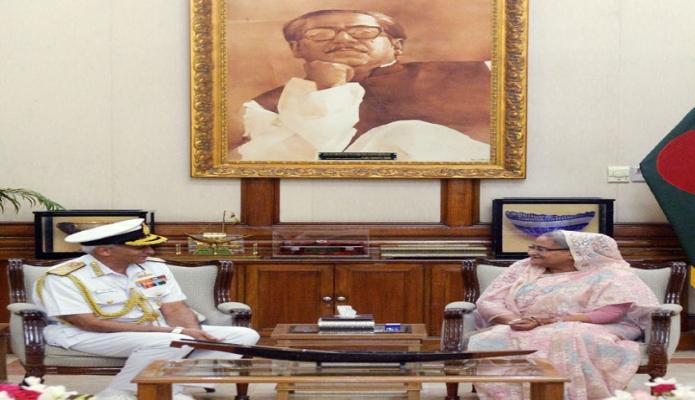 প্রধানমন্ত্রী শেখ হাসিনার সাথে সোমবার ঢাকায় গণভবনে ভারতের নৌবাহিনী প্রধান 'অ্যাডমিরাল সুনীল লাম্বা' সাক্ষাৎ করেন-এবিনিউজ