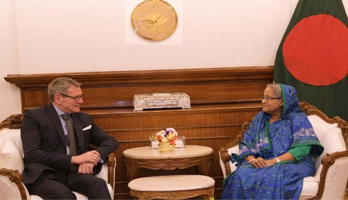 প্রধানমন্ত্রী শেখ হাসিনার সাথে বুধবার তাঁর কার্যালয়ে বাংলাদেশে জার্মানির রাষ্ট্রদূত Dr. Thomas Heinrich Prinz  বিদায়ি সাক্ষাৎ করেন-এবিনিউজ