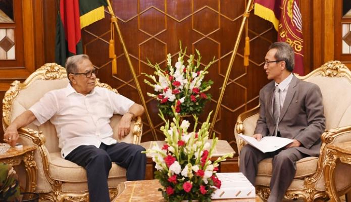 রাষ্ট্রপতি মোঃ আবদুল হামিদের সাথে ঢাকায় বঙ্গভবনে বাংলাদেশে নিযুক্ত উত্তর কোরিয়ার রাষ্ট্রদূত Ri Song Hyon  সাক্ষাৎ করেন-এবিনিউজ
