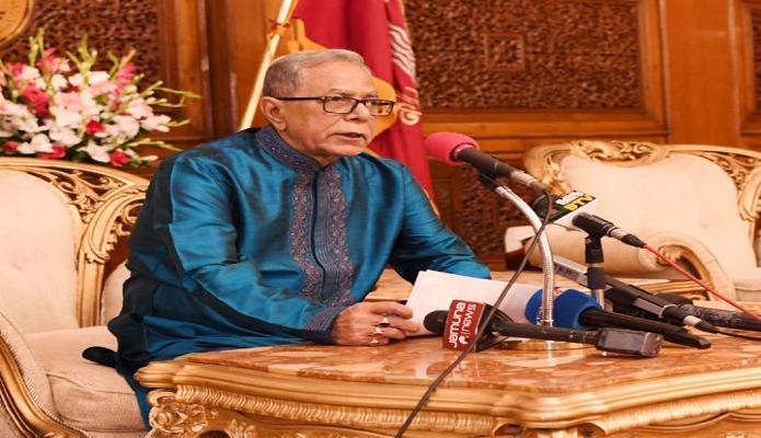 বুধবার ঢাকায় রাষ্ট্রপতি মোঃ আবদুল হামিদ বঙ্গভবনে পবিত্র ঈদুল আযহা উপলক্ষে শুভেচ্ছা বক্তব্য রাখেন-এবিনিউজ