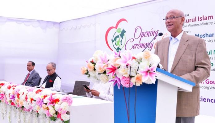 রবিবার ঢাকায় শিক্ষামন্ত্রী নুরুল ইসলাম নাহিদ পূর্বাচলে টিচিং এন্ড ট্রেনিং পেট হসপিটাল ও রিসার্চ সেন্টার উদ্বোধন অনুষ্ঠানে বক্ততৃা করেন-এবিনিউজ