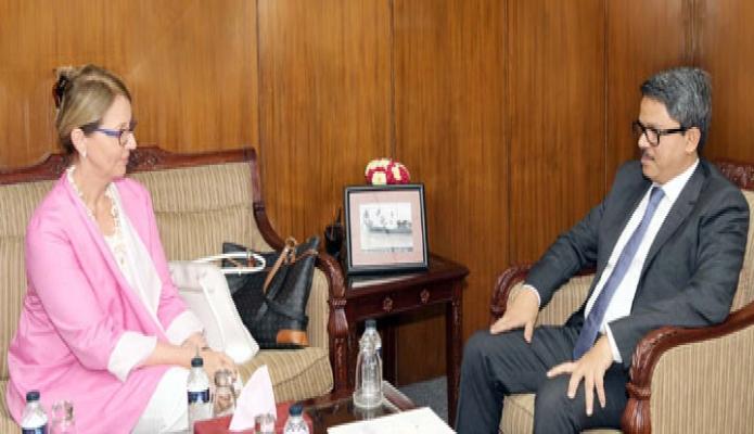 বৃহস্পতিবার পররাষ্ট্র প্রতিমন্ত্রী মোঃ শাহরিয়ার আলমের সাথে তাঁর অফিসকক্ষে অস্ট্রিয়ার নবনিযুক্ত রাষ্ট্রদূত Brigitte Oppinger-Walchshofer  সাক্ষাৎ করেন-এবিনিউজ
