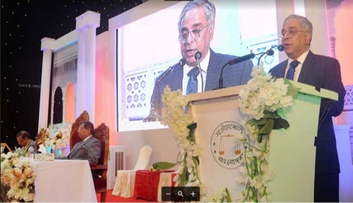 মঙ্গলবার ঢাকায় প্রধান বিচারপতি সৈয়দ মাহমুদ হোসেন সুপ্রীম কোর্ট জাজেস স্পোর্টস কমপ্লেক্সে সুপ্রীম কোর্ট দিবস আলোচনা সভায় বক্তৃতা করেন -পিআইডি