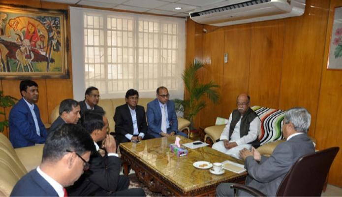 মঙ্গলবার শিল্পমন্ত্রী নূরুল মজিদ মাহমুদ হুমায়ূনের সাথে তাঁর অফিসকক্ষে বাংলাদেশ ট্যানার্স এসোসিয়েশনের একটি প্রতিনিধিদল সাক্ষাৎ করেন-পিআইডি