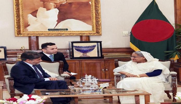 বুধবার ঢাকায় প্রধানমন্ত্রী শেখ হাসিনার সাথে গণভবনে বাংলাদেশ আফগানিস্তানের নবনিযুক্ত রাষ্ট্রদূত আব্দুল কাইয়ুম মালিকজাদ সাক্ষাৎ করেন -পিআইডি