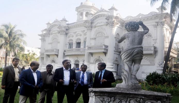 বুধবার সংস্কৃতি বিষয়ক প্রতিমন্ত্রী কে এম খালিদ ঢাকায় ঐতিহাসিক রোজ গার্ডেন পরিদর্শন করেন-পিআইডি