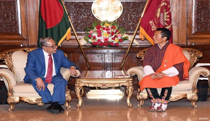 শনিবার রাষ্ট্রপতি মোঃ আবদুল হামিদের সাথে ঢাকায় বঙ্গভবনে ভুটানের প্রধানমন্ত্রী ডা. লোটে শেরিং সাক্ষাৎ করেন-পিআইডি