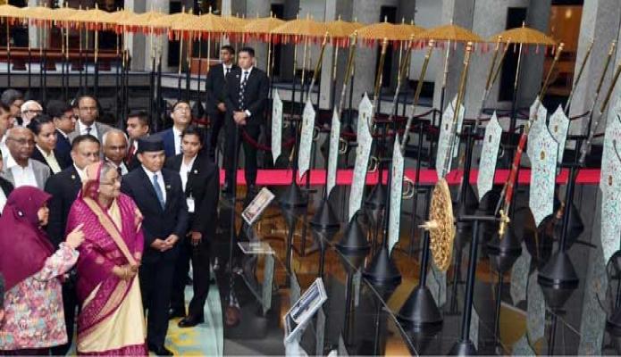 মঙ্গলবার প্রধানমন্ত্রী শেখ হাসিনা ব্রুনাইয়ে জড়ুধষ Royal Regalia Museum  পরিদর্শন করেন-পিআইডি