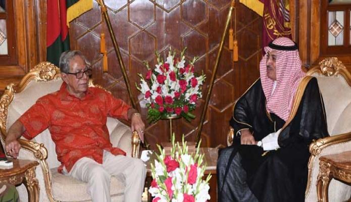 মঙ্গলবার রাষ্ট্রপতি মোঃ আবদুল হামিদের সাথে ঢাকায় বঙ্গভবনে বাংলাদেশে নিযুক্ত সৌদি আরবের রাষ্ট্রদূত Abdullah H. M. Al-Mutairi বিদায়ি সাক্ষাৎ করেন -পিআইডি