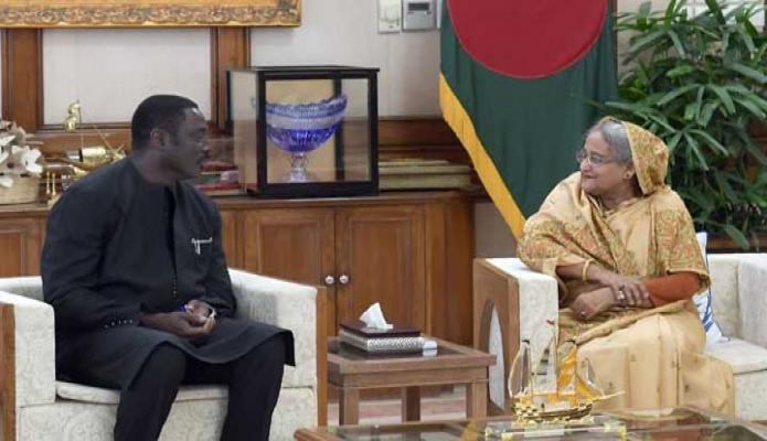 শুক্রবার প্রধানমন্ত্রী শেখ হাসিনার সাথে ঢাকায় গণভবনে গাম্বিয়ার পররাষ্ট্রমন্ত্রী Mamadou Tangara সাক্ষাৎ করেন -পিআইডি