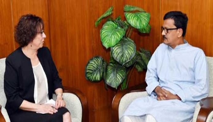 মঙ্গলবার নৌপরিবহন প্রতিমন্ত্রী খালিদ মাহমুদ চৌধুরীর সাথে তাঁর অফিসকক্ষে ডেনমার্কের রাষ্ট্রদূত 'উইনি এস্টাপ পিটারসেন' সাক্ষাৎ করেন-পিআইডি