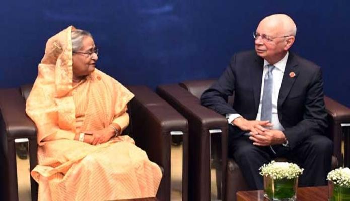 মঙ্গলবার প্রধানমন্ত্রী শেখ হাসিনার সাথে দালিয়ান আন্তর্জাতিক কনফারেন্স সেন্টারে ওয়াল্ড ইকোনোমিক ফোরামের প্রতিষ্ঠাতা ও নির্বাহী চেয়ারম্যান Klaus Schwab বৈঠক করেন -পিআইডি