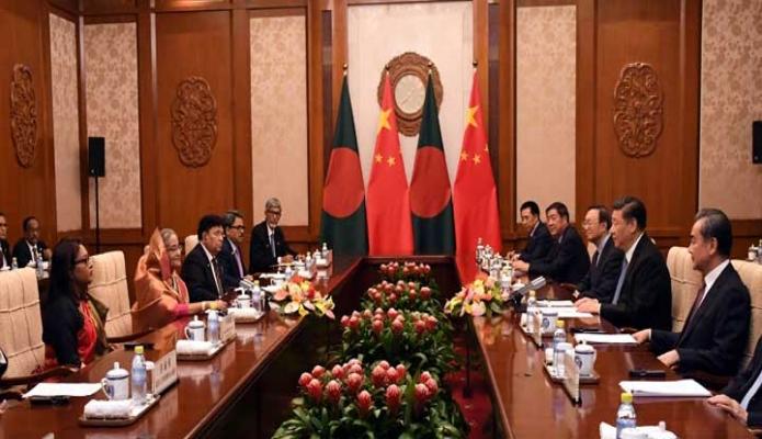শুক্রবার প্রধানমন্ত্রী শেখ হাসিনা বেইজিং-এর Diaoyutai State Guest House -এ চীনের প্রেসিডেন্ট Xi Jinping এর সাথে দ্বিপাক্ষিক বৈঠক করেন -পিআইডি