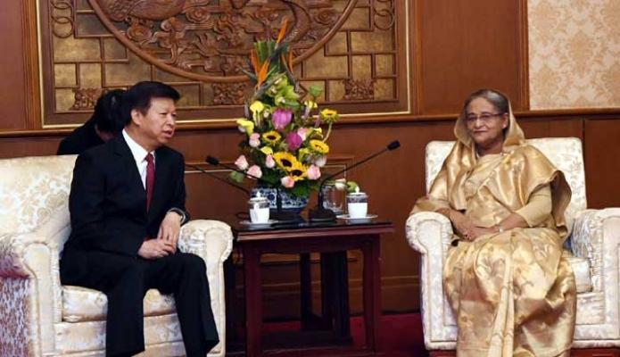 শুক্রবার প্রধানমন্ত্রী শেখ হাসিনা বেইজিং-এর Diaoyutai State Guest House -এ চীনের কমিউনিস্ট পার্টির আন্তর্জাতিক সম্পর্ক বিভাগের মন্ত্রী Song Tao  সাক্ষাৎ করেন -পিআইডি