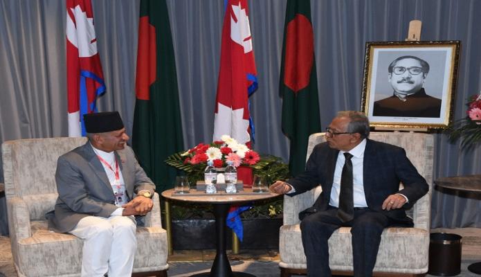 মঙ্গলবার রাষ্ট্রপতি মোঃ আবদুল হামিদের সাথে নেপালে তাঁর আবাসস্থল Marriott Kathmandu  হোটেলে সে দেশের পররাষ্ট্র মন্ত্রী Pradeep Kumar Gyawali সাক্ষাৎ করেন -পিআইডি