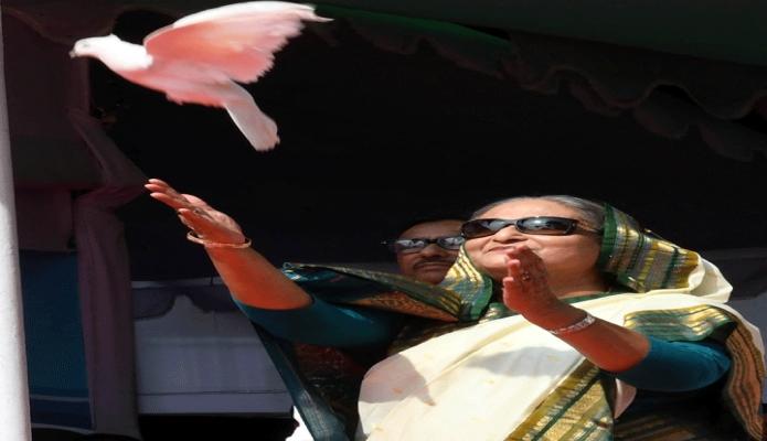 শনিবার প্রধানমন্ত্রী শেখ হাসিনা ঢাকায় সোহরাওয়ার্দী উদ্যানে বাংলাদেশ আওয়ামী স্বেচ্ছাসেবক লীগের জাতীয় সম্মেলন ২০১৯ এর উদ্বোধন করেন -পিআইডি