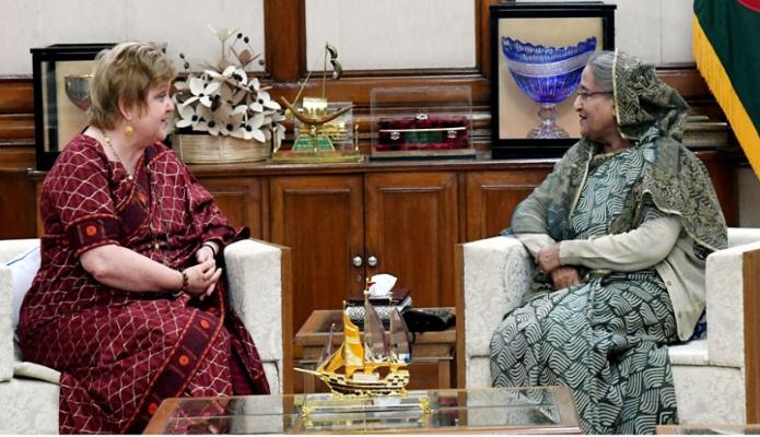 মঙ্গলবার প্রধানমন্ত্রী শেখ হাসিনার সাথে গণভবনে বাংলাদেশে নিযুক্ত অস্ট্রেলিয়ার হাইকমিশনার Jilia Niblett  বিদায়ী সাক্ষাৎ করেন -পিআইডি