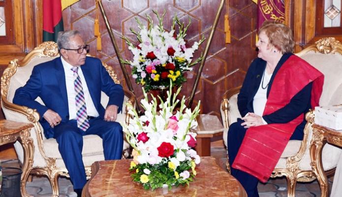 রবিবার রাষ্ট্রপতি মোঃ আবদুল হামিদের সাথে বঙ্গভবনে বাংলাদেশ নিযুক্ত আস্ট্রেলিয়ার হাইকমিশার Julia Niblett বিদায়ি সাক্ষাৎ করেন -পিআইডি