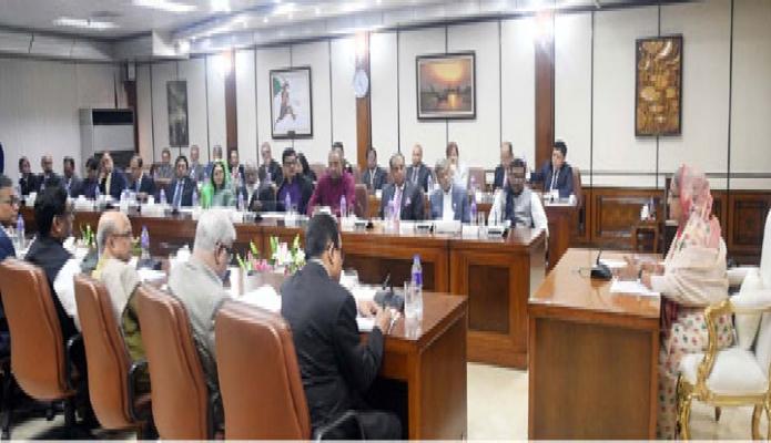রবিবার প্রধানমন্ত্রী শেখ হাসিনা ঢাকায় তাঁর কার্যালয়ে Fast Track Project Monitoring Committee এর সভায় সভাপতিত্ব করেন -পিআইডি