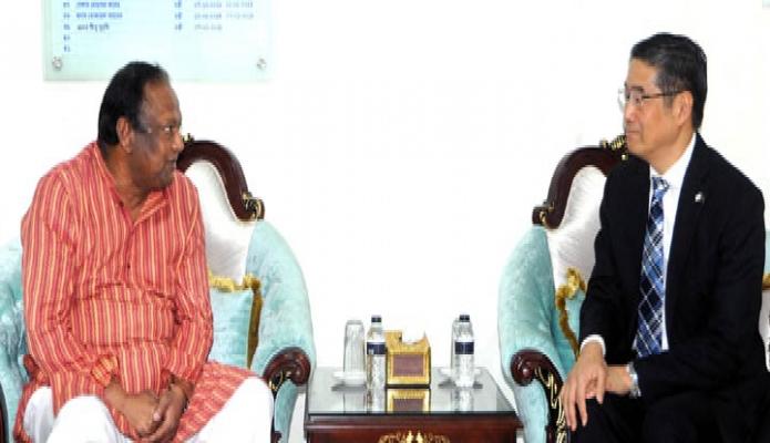 বুধবার বাণিজ্যমন্ত্রী টিপু মুনশির সাথে ঢাকায় তাঁর অফিস কক্ষে জাপানের রাষ্ট্রদূত 'নাওকি ইতো, সাক্ষাৎ করেন -পিআইডি