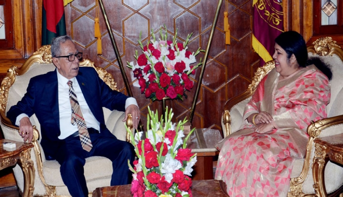 মঙ্গলবার রাষ্ট্রপতি মোঃ আবদুল হামিদের সাথে বঙ্গভবনে স্পিকার ড. শিরীন শারমিন চৌধুরী সাক্ষাৎ করেন -পিআইডি