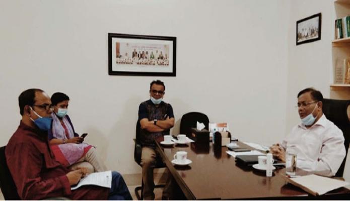 শনিবার তথ্যমন্ত্রী ড. হাছান মাহমুদ ঢাকায় মিন্টুরোডে তাঁর সরকারি বাসভবনে ব্রডকাস্ট র্জানালিস্ট সেন্টার নেতৃবৃন্দের সাথে বৈঠক করেন -পিআইডি
