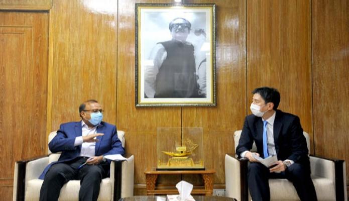 বৃহস্পতিবার স্থানীয় সরকার মন্ত্রী মো. তাজুল ইসলাম এর সাথে জাইকা বাংলাদেশ এর প্রধান পতিনিধি হায়াকাওয়া ইউহোর সাক্ষাৎ করেন -পিআইডি