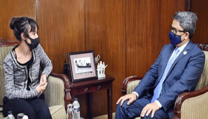 রবিবার পররাষ্ট্র প্রতিমন্ত্রী মোঃ শাহরিয়ার আলমের সাথে তাঁর অফিসকক্ষে সুইডেনের রাষ্ট্রদূত 'Alexandra Berg Von Linde' সাক্ষাৎ করেন -পিআইডি