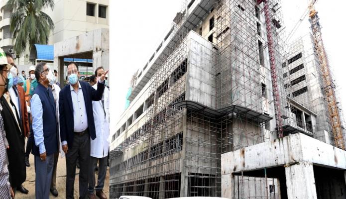 সোমবার স্বাস্থ্যমন্ত্রী জাহিদ মালেক ঢাকায় শাহবাগে বঙ্গবন্ধু সুপার স্পেশালাইজড হাসপাতালে নির্মাণ কাজের অগ্রগতি পরিদর্শন করেন -পিআইডি