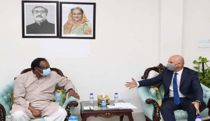 সোমবার বাণিজ্যমন্ত্রী টিপু মুনশির সাথে তাঁর অফিস কক্ষে তুরস্কের রাষ্ট্রদূত 'মুস্তাফা ওসমান তুরান, সাক্ষাৎ করেন -পিআইডি