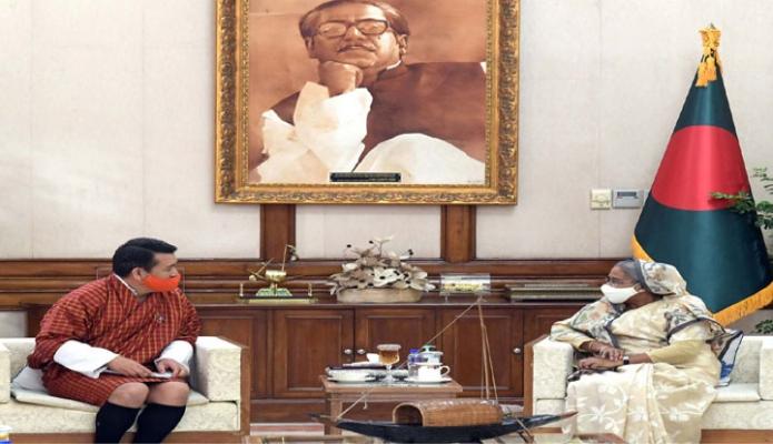 বৃহস্পতিবার প্রধানমন্ত্রী শেখ হাসিনার সাথে গণভবনে ভুটানের রাষ্ট্রদূত Rinchen Kuentsyl সাক্ষাৎ করেন -পিআইডি