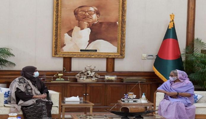 রবিবার প্রধানমন্ত্রী শেখ হাসিনার সাথে গণভবনে মালয়েশিয়ার হাইকমিশনার `Haznah Md. Hashim' সাক্ষাৎ করেন -পিআইডি