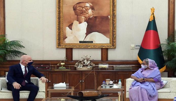 রবিবার প্রধানমন্ত্রী শেখ হাসিনার সাথে গণভবনে তুরস্কের রাষ্ট্রদূত 'মুস্তাফা ওসমান তুরান, সাক্ষাৎ করেন -পিআইডি