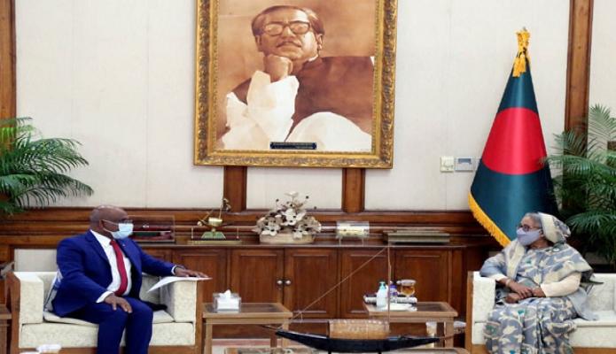 বুধবার প্রধানমন্ত্রী শেক হাসিনার সাথে গণভবনে মালদ্বীপের পররাষ্ট্রমন্ত্রী আব্দুল্লা সাহিদ সাক্ষাৎ করেন -পিআইডি