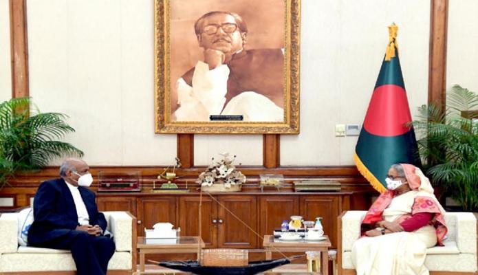 বুধবার প্রধানমন্ত্রী শেখ হাসিনার সাথে গণভবনে বাংলাদেশে নবনিযুক্ত শ্রীলংকার হাইকমিশনার 'Sudhar shan Deepal Suresh Seneviratne, সাক্ষাৎ করেন -পিআইডি