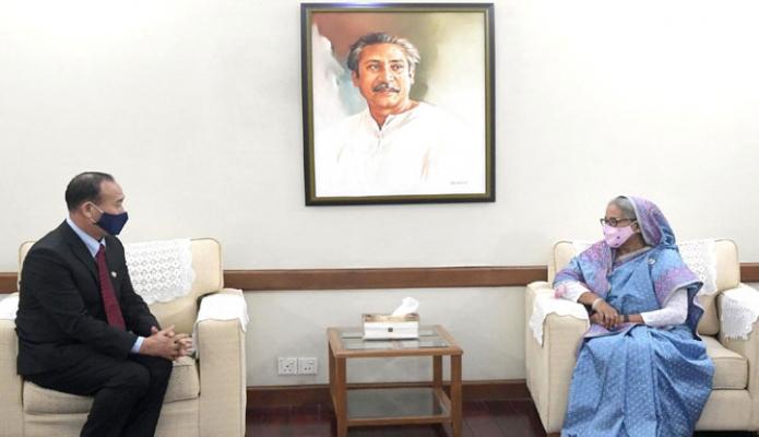 বুধবার প্রধানমন্ত্রী শেখ হাসিনার সাথে গণভবনে 'BIMSTEC, এর সেক্রেটারি জেনারেল 'Tenzin Lekphell' সাক্ষাৎ করেন -পিআইডি