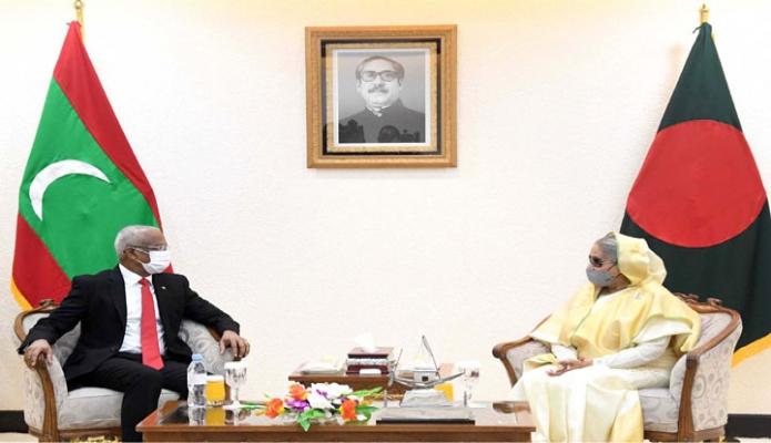 বৃহস্পতিবার মালদ্বীপের রাষ্ট্রপতি ইব্রাহিম মোহামেদ সহিল এবং প্রধানমন্ত্রী শেখ হাসিনা প্রধানমন্ত্রীর কার্যালয়ে একান্ত বৈঠকে অংশ নেন -পিআইডি