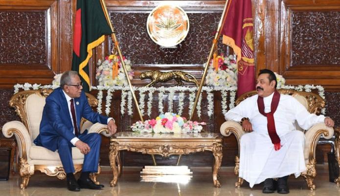 শনিবার রাষ্ট্রপতি মোঃ আবদুল হামিদের সাথে বঙ্গভবনে শ্রীলংকার প্রধানমন্ত্রী মাহিন্দা রাজাপাকসে সাক্ষাৎ করেন -পিআইডি