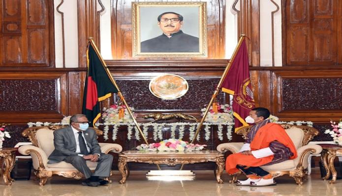 বুধবার রাষ্ট্রপতি মোঃ আবদুল হামিদের সাথে ভুটানের প্রধানমন্ত্রী ডা. লোটে শেরিং সাক্ষাৎ করেন -পিআইডি