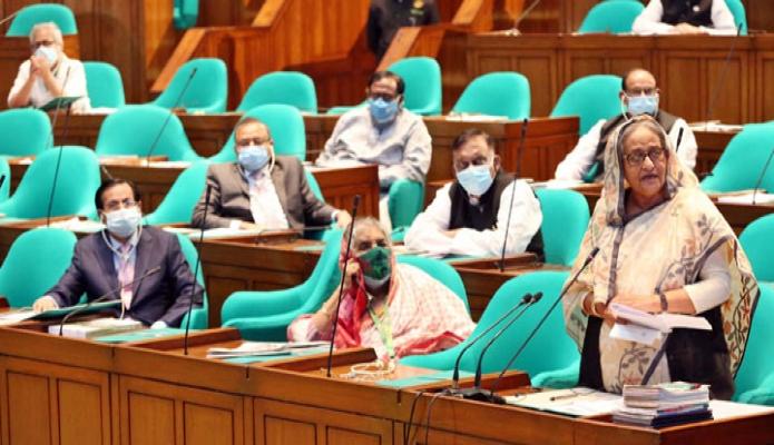 বৃহস্পতিবার প্রধানমন্ত্রী শেখ হাসিনা একাদশ জাতীয় সংসদের দ্বাদশ অধিবেশনের প্রথম দিনে বক্তৃতা করেন -পিআইডি