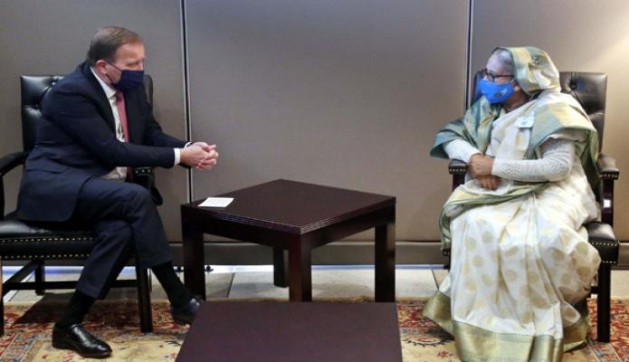 মঙ্গলবার প্রধানমন্ত্রী শেখ হাসিনার সাথে নিউইয়র্কে জাতিসংঘ সদরদপ্তরে সুইডেনের প্রধানমন্ত্রী 'স্টিফেন লোফভেন, সাক্ষাৎ করেন